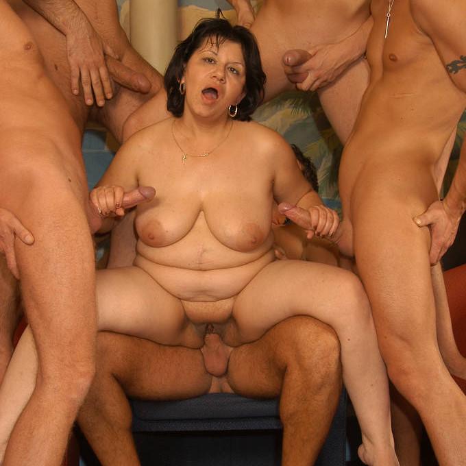 Amateur nude black milf pics